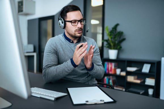 conseiller téléphone démarches administratives
